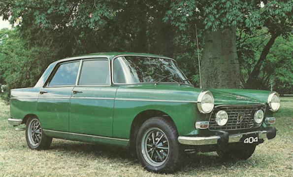 Vihreä vanha auto