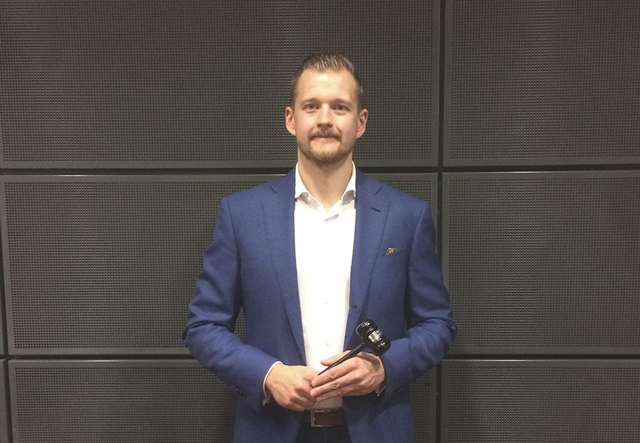Varatuomari Janne Palmula.